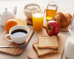 13+ disadvantages and advantages of eating/skipping breakfast