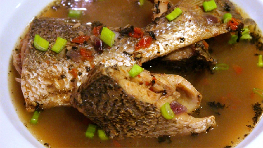 Nigerian Food: How to make Fish pepper soup (Details ...